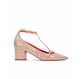 Mid heel shoes in nude patent leather Pura López