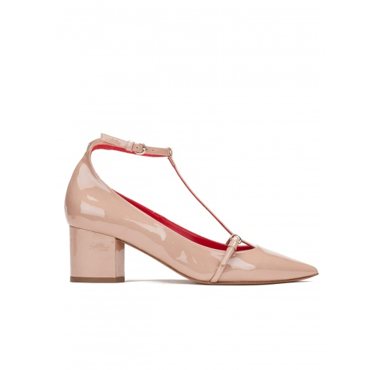 Mid heel shoes in nude patent leather Pura L�pez
