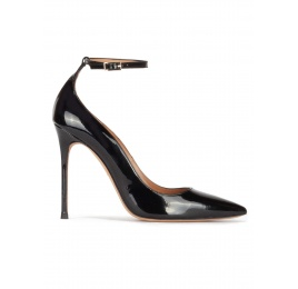 Ankle strap high heel pointy toe shoes in black patent leather Pura López