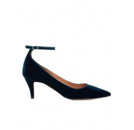 Ankle strap mid heel pumps in petrol blue velvet Pura López