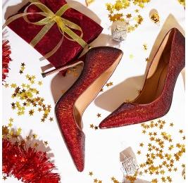 Zapatos de lentejuelas con tacón y punta fina en color rojo Pura López