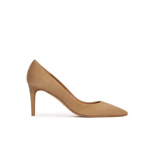 Mid heel sharp point-toe pumps in camel suede Pura López