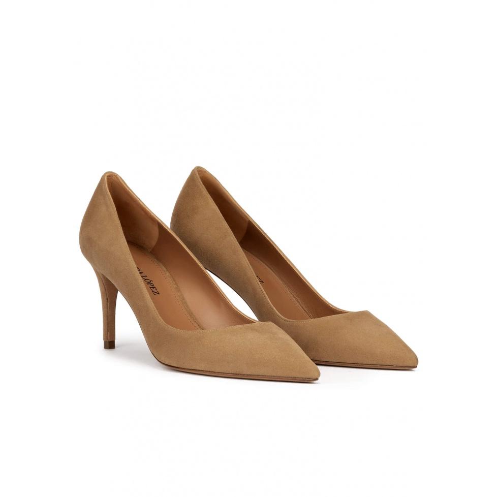 Zapatos de punta con tacón de 7,5 cms en ante camel