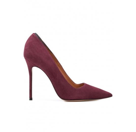 Zapatos de salón con tacón alto en ante color berenjena Pura López