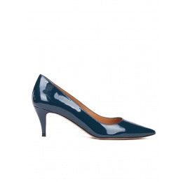 Mid heel pumps in petrol blue patent leather Pura López