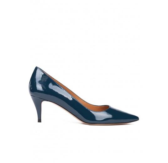 Mid heel pumps in petrol blue patent leather Pura L�pez