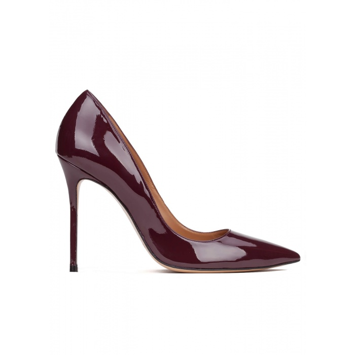 High heel pumps in aubergine patent leather
