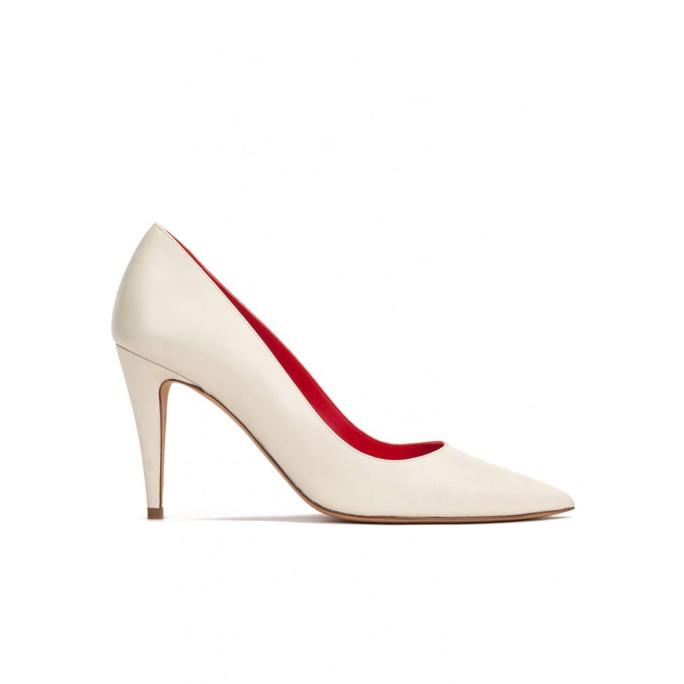 High heel pumps in cream leather