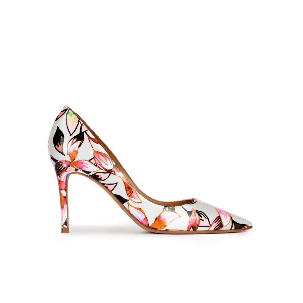 Pointed toe high heel pumps in floral print fabric