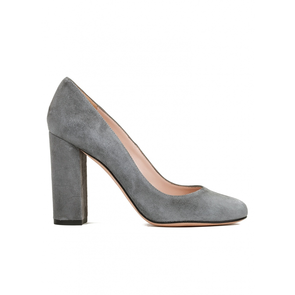 Block high heel pumps in grey suede