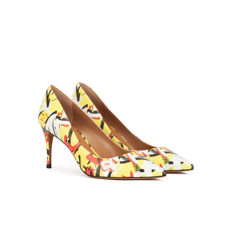 Graffitti print point-toe mid heel pumps