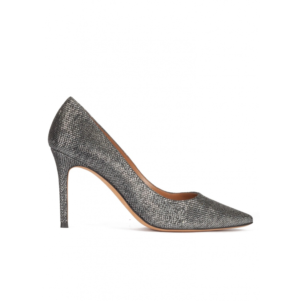 High heel pointy toe pumps in metallic mesh material