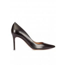 High heel pumps in black calf leather Pura López