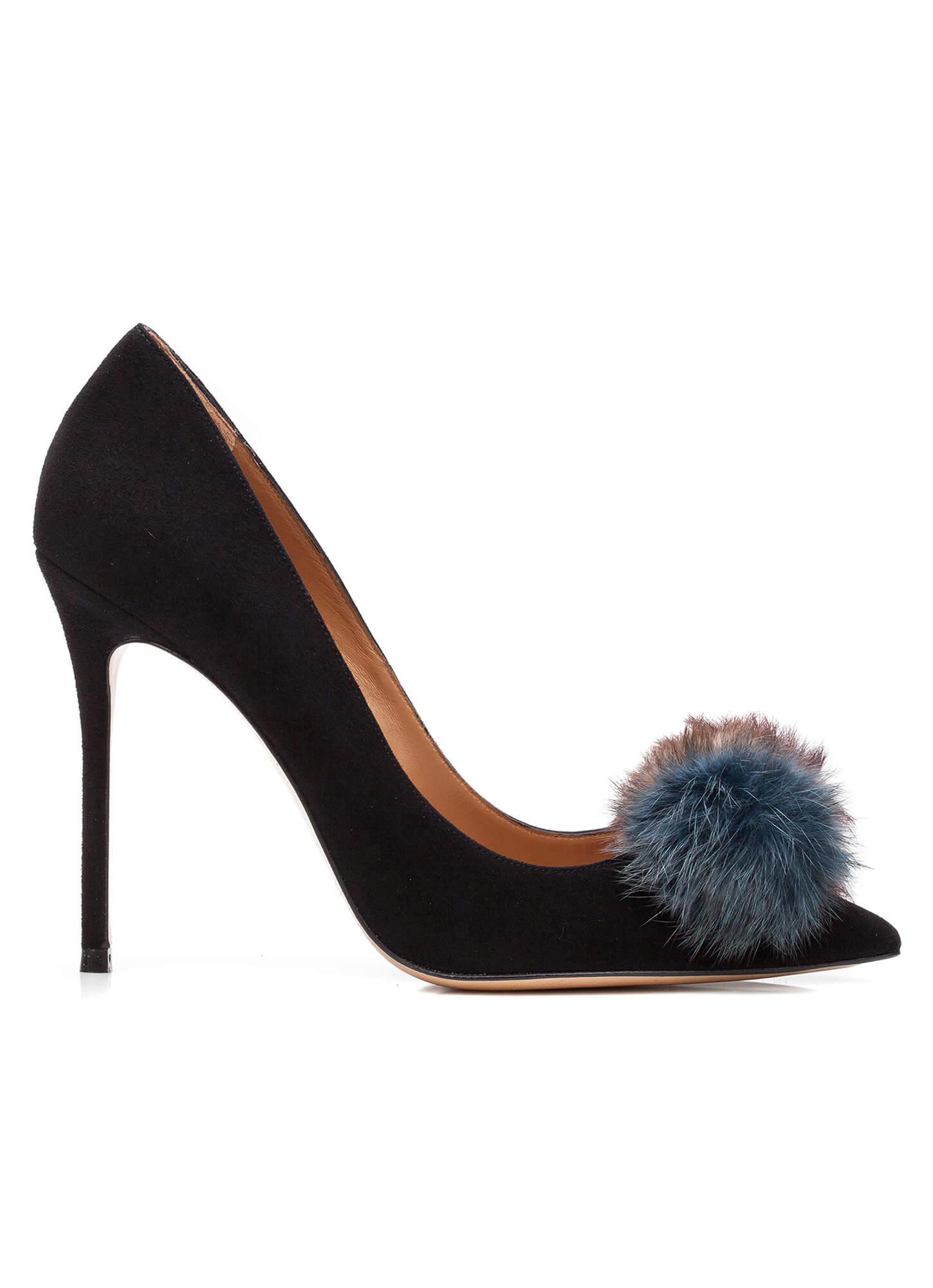 d854c341c60 Zapatos de salón con pompón - tienda de zapatos Pura López . PURA LOPEZ