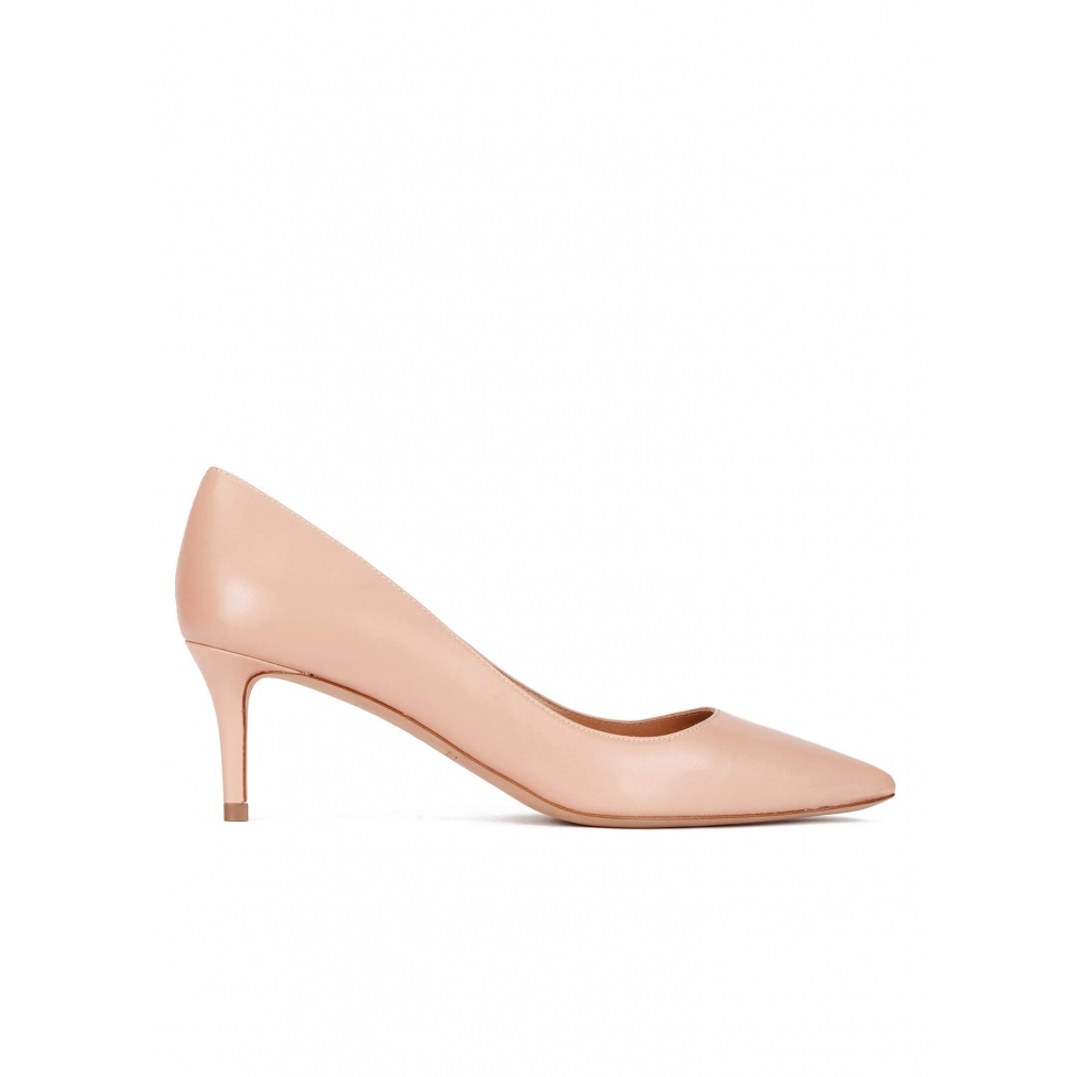 Mid heel pumps in nude calf leather