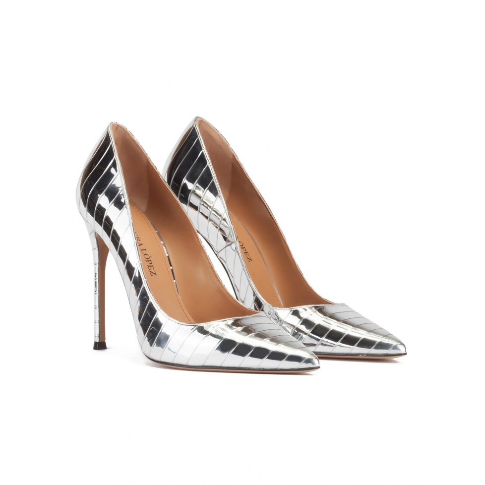 Stiletto heel pinty toe pumps in striped silver fabric
