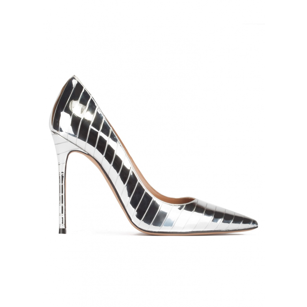 Stiletto heel pinty toe pumps in striped shiny silver fabric
