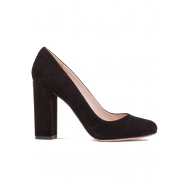 Block high heel pumps in black suede Pura López