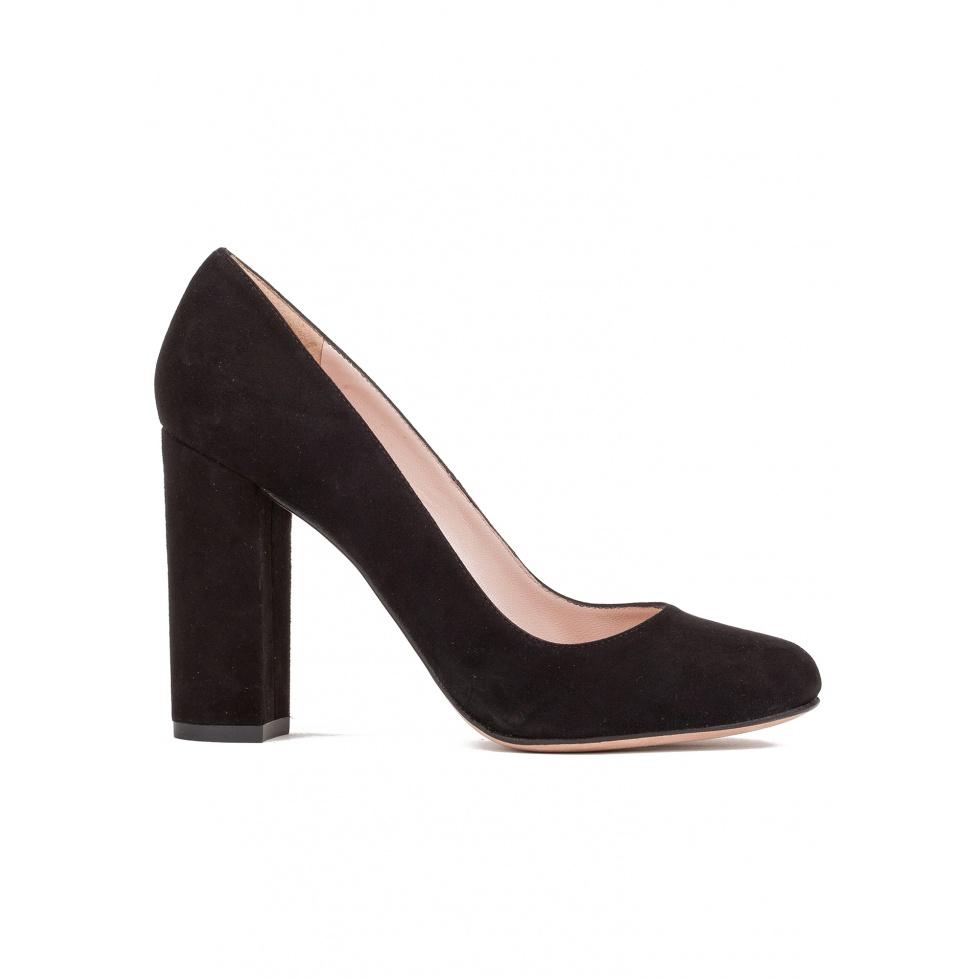 Block high heel pumps in black suede