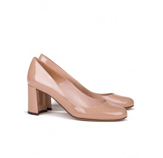 Mid block heel pumps in nude patent leather Pura L�pez