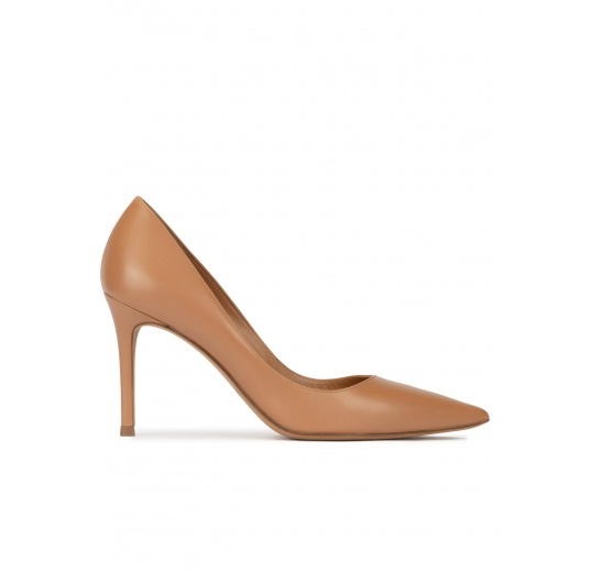 Camel leather high heel pointy toe pumps Pura López