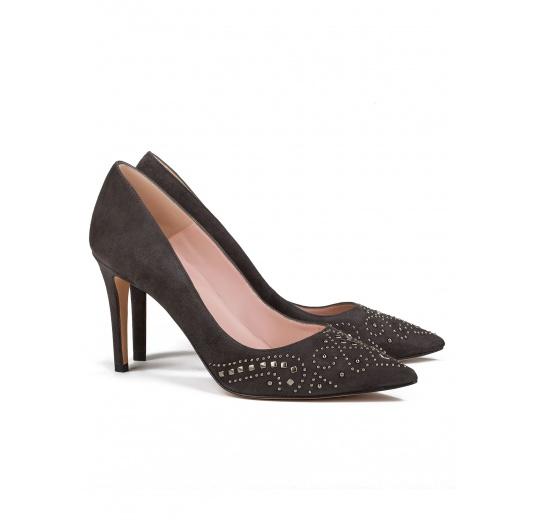Studded high heel pumps in grey suede Pura L�pez