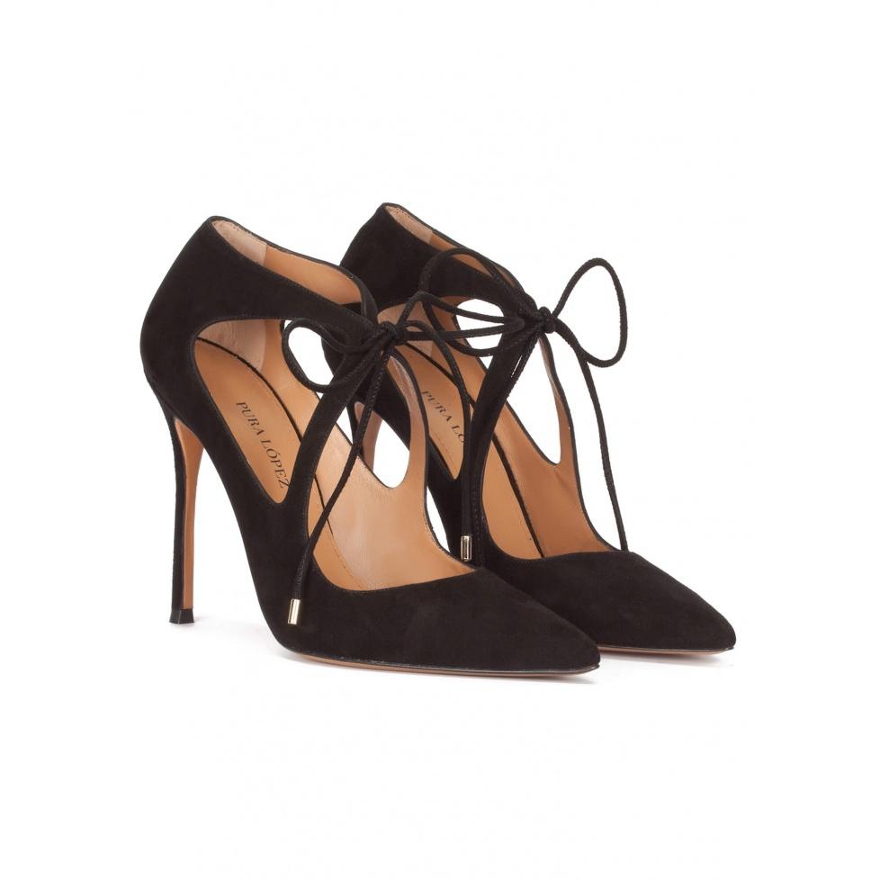 Zapatos de tacón alto en ante negro con lazada