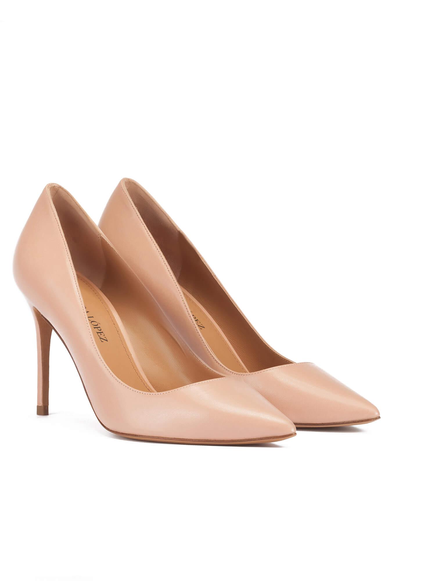 809f4133a7ce Point-toe high heel pumps in nude leather. Olga Pura López