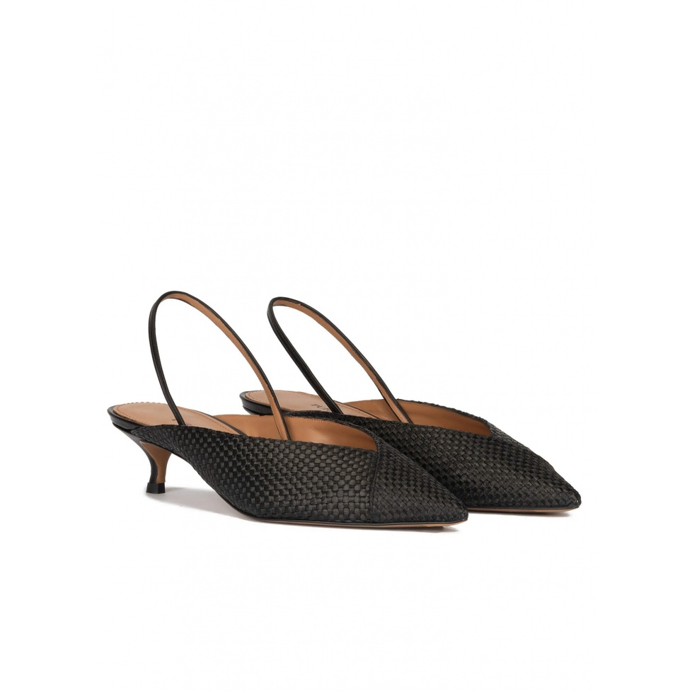 Low heel slingback pumps in black raffia