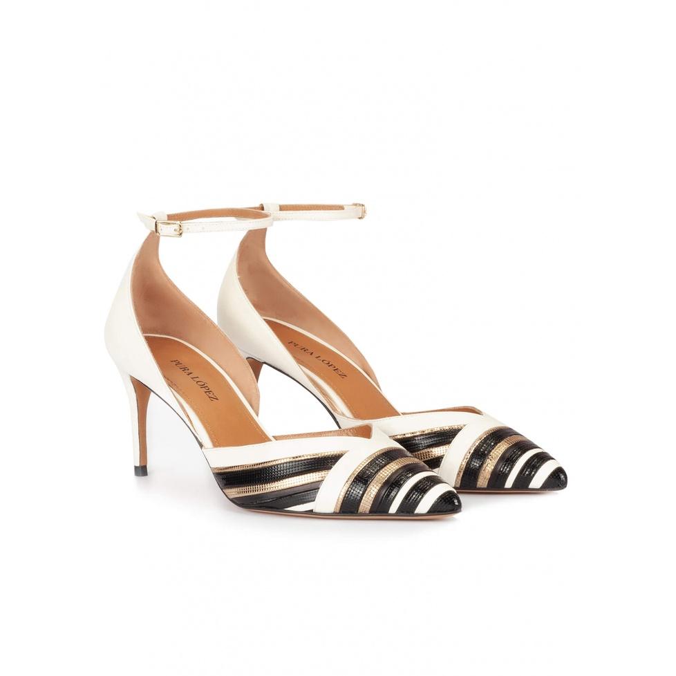 Zapatos de medio tacón en piel blanco, negro y dorado