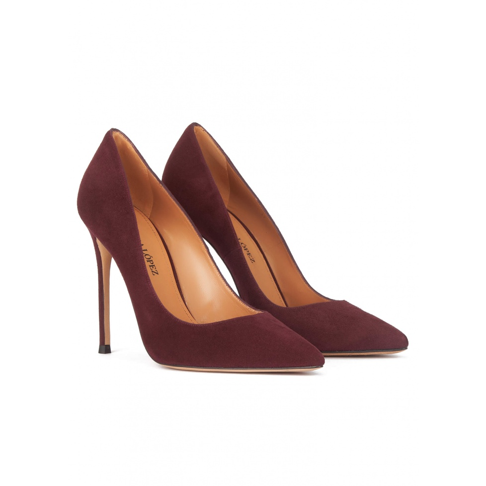 High heel pumps in burgundy suede