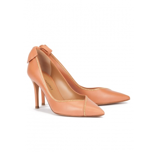 Bow embellished point-toe shoes in old rose leather Pura L�pez