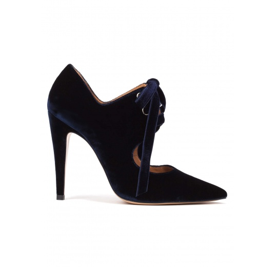Lace-up high heel shoes in night blue velvet Pura L�pez
