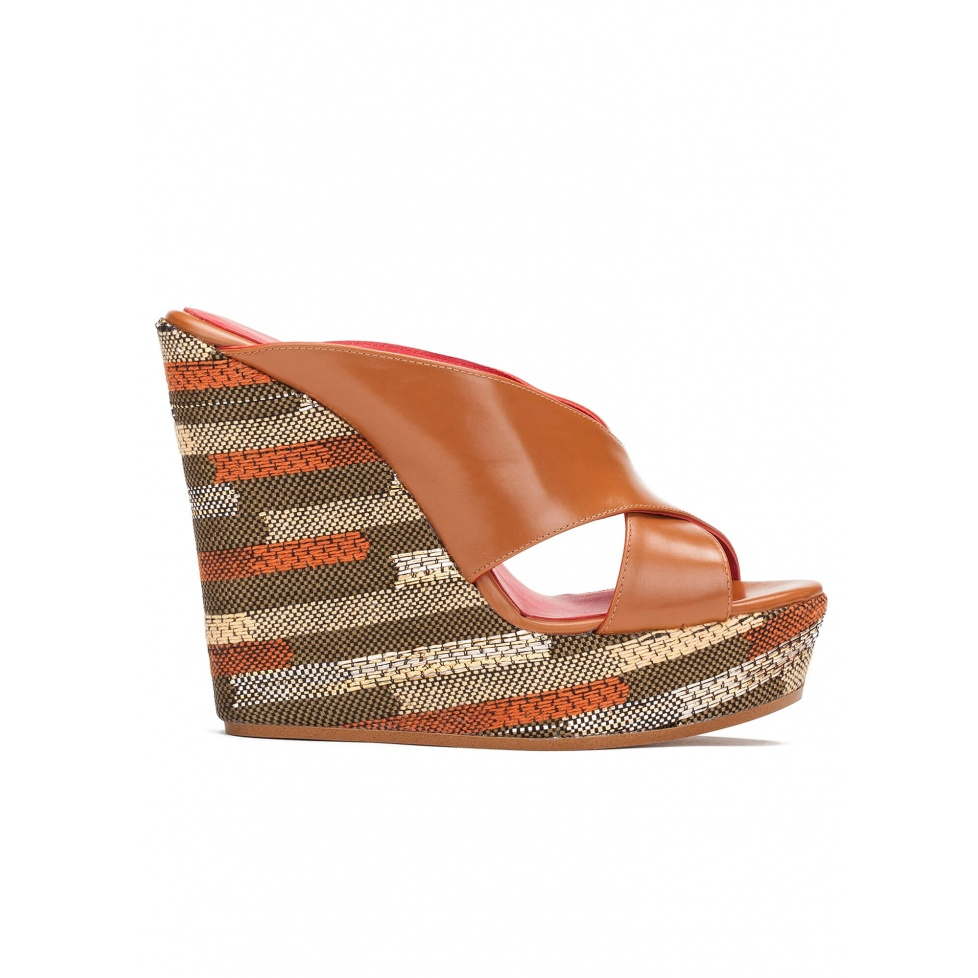 Wedge sandals in camel leather and geometric pattern